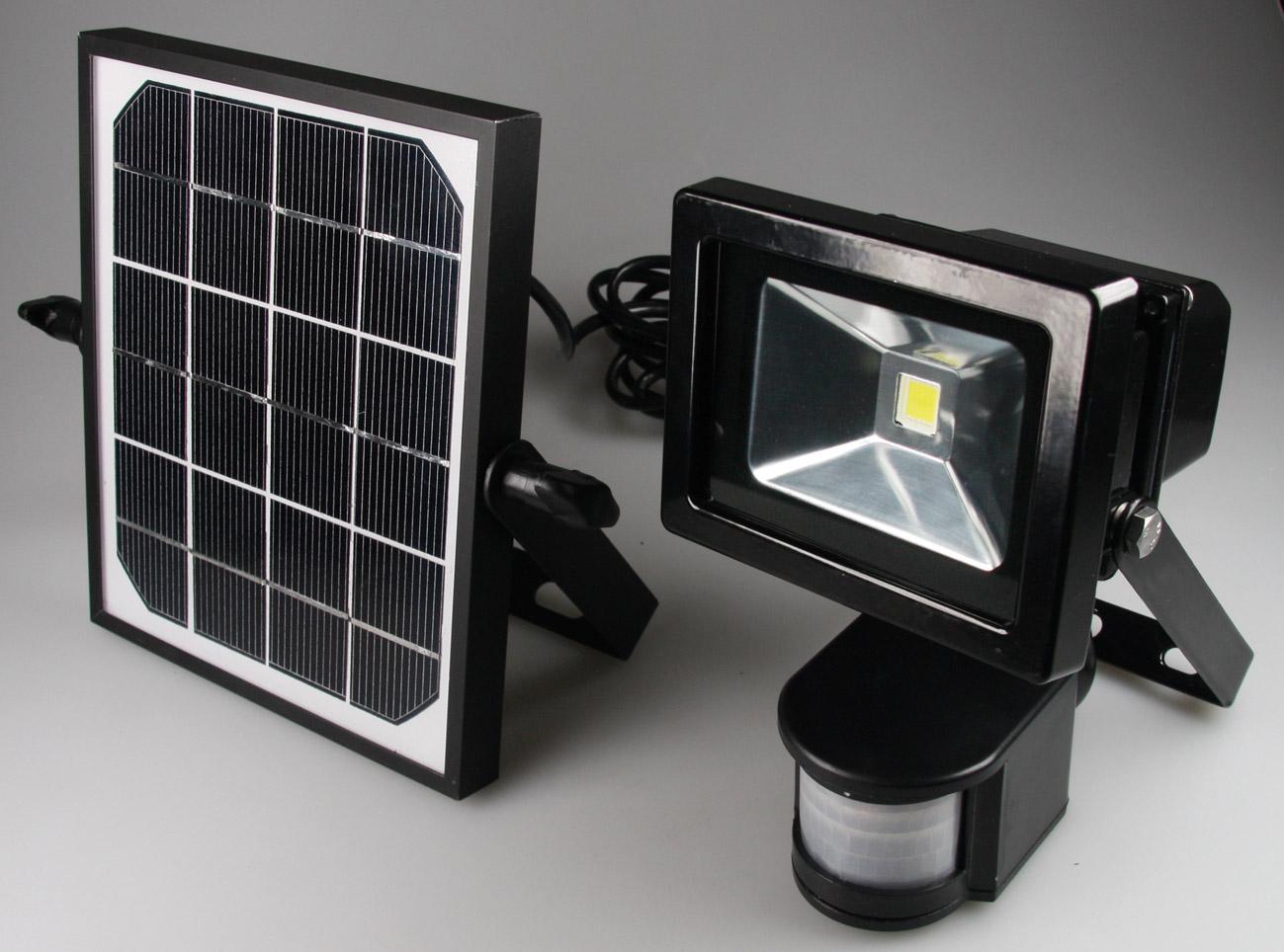 ChiliTec LED-Fluter mit Bewegungsmelder 10W, 4200K, 3W Solar-Zelle, Akku
