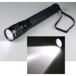 10W HighPower LED-Taschenlampe, 700 Lumen, bis zu 350m Leuchtweite